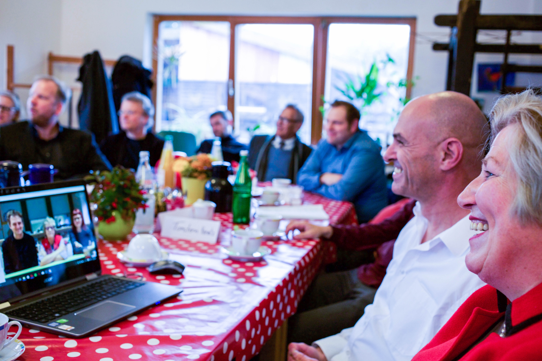 Niedersachsen Sozialministerin Rundt im Gespräch über die Gemeinwesenprojekte